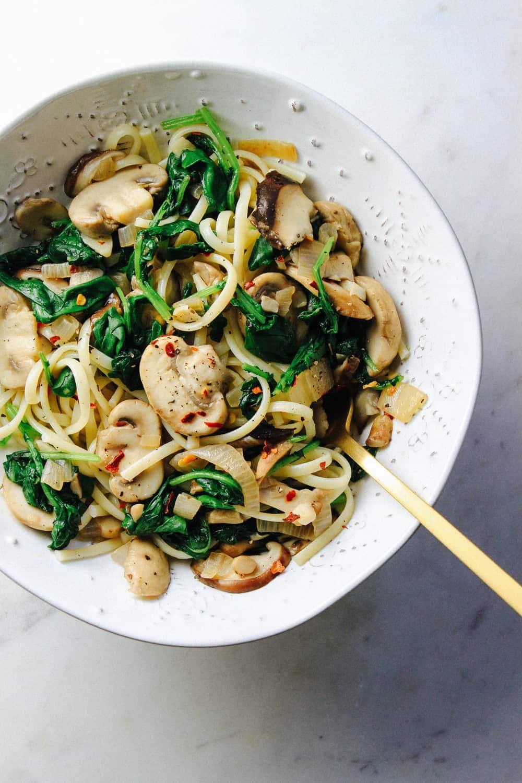 garlicky-mushroom-kale-linquine