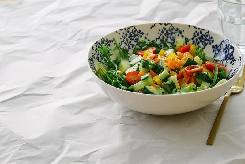 CHOPPED-VEGETABLE-SALAD-GARLIC-DRESSING
